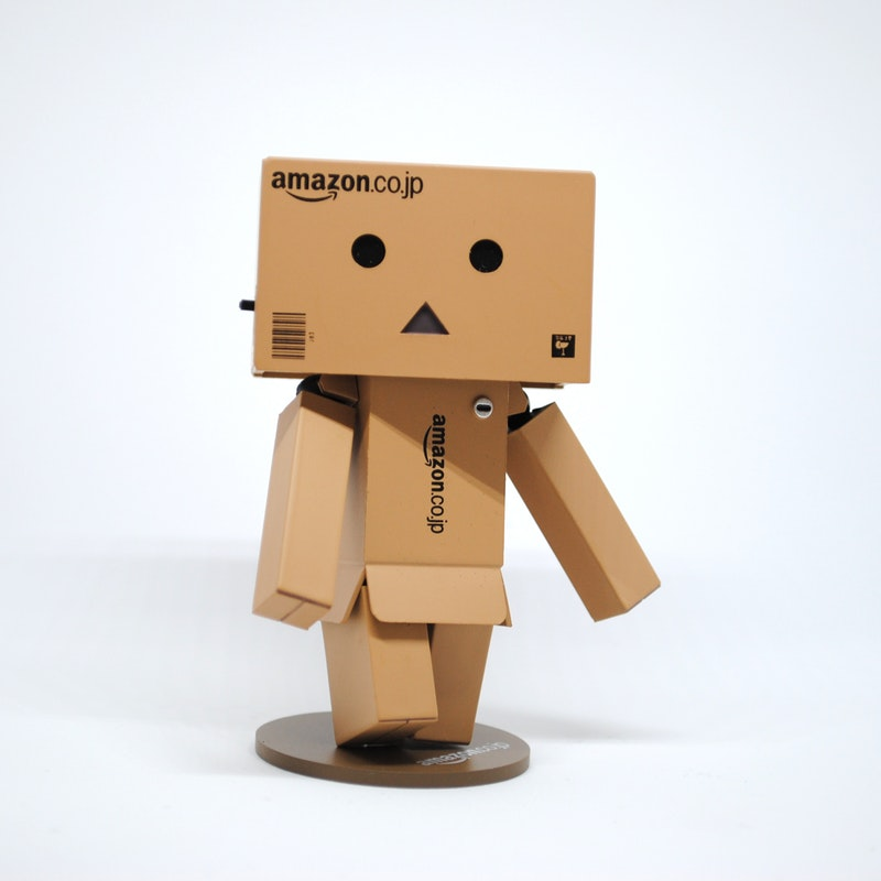 https://unsplash.com/@helloimnik